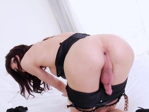 Giant fuckpole Kai Bailey penetrating..