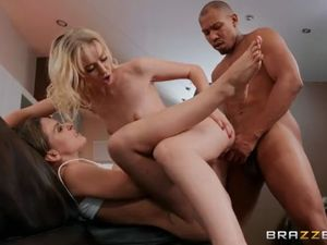 Teen bi-racial duo cracks into cherie..