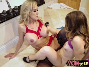 Nymphomaniac Cougar Brandi Enjoy luvs..